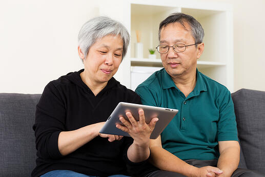 couple using tablet-1